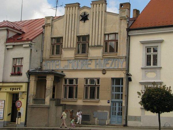 Hotel UModré hvězdy, Počátky