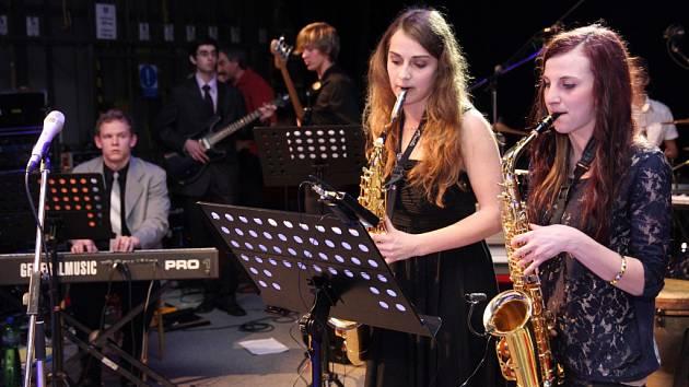 Matějský ples v pátek na počest 60. výročí založení upořádala Základní umělecká škola Jana Štursy v Novém Městě na Moravě.
