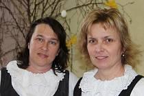 Rožínku vede Simona Špačková, Groš Ivana Janoušová (zleva). Oba soubory zastřešuje Občanské sdružení Groš z Dolní Rožínky.