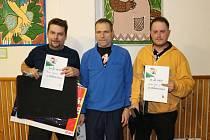 Osmý ročník Vánočního turnaje ve stolním tenise se na konci minulého týdne uskutečnil v Radňovicích na Novoměstsku. Mezi muži zvítězil Jan Jiříček, mezi ženami Jana Klementová. Čtyřhru ovládlo duo Jiří Růžička – Miloš Šmída.