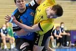 Ačkoliv vyhrálo Nové Veselí (v modrých dresech) na půdě Maloměřic (ve žlutém dresu) poměrně jasně, jednoduchý duel to rozhodně nebyl.