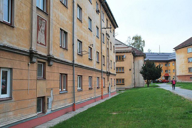 Majitelům budov, kteří při opravách výzdobu neodstraní, slibují Žďárští příspěvek