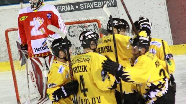Konec v semifinále. Hokejisté Sokolova vyhráli i třetí zápas a v nejkratším termínu postoupili přes Žďár do baráže o první ligu.