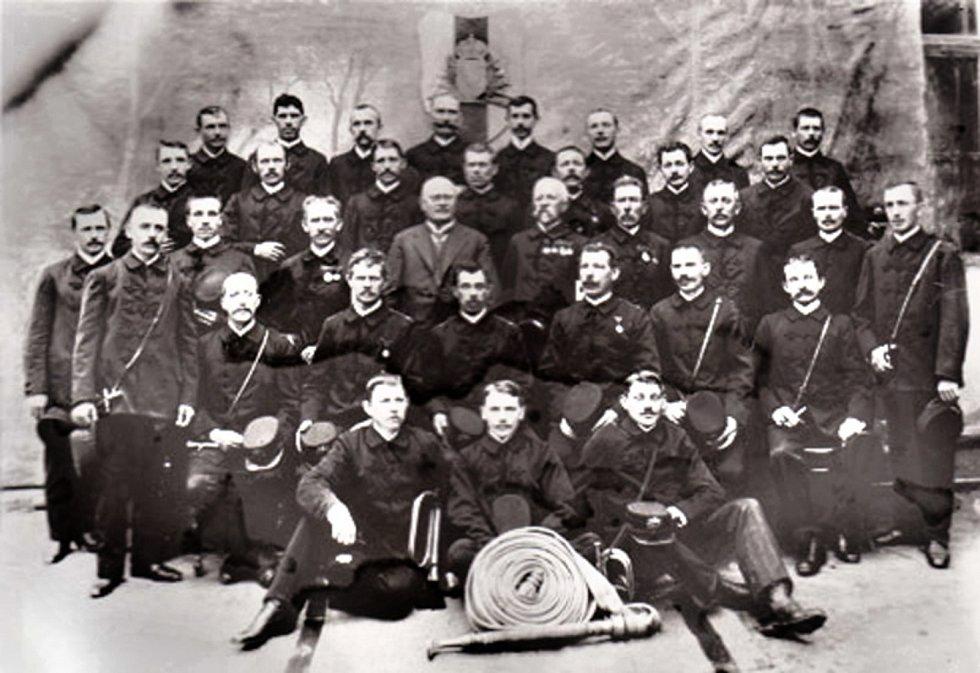 Členové sboru před 1. světovou válkou.