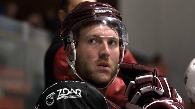 Hokejisté Žďáru nad Sázavou se mohou spolehnout na střelecké schopnosti Petra Štěpánka (na snímku).