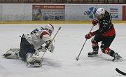 Utkání play-off mezi SKLH Žďár nad Sázavou a SHC Klatovy.