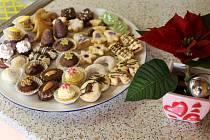 Rohlíčky budou i před svátky, cukráři mají stále co nabídnout.