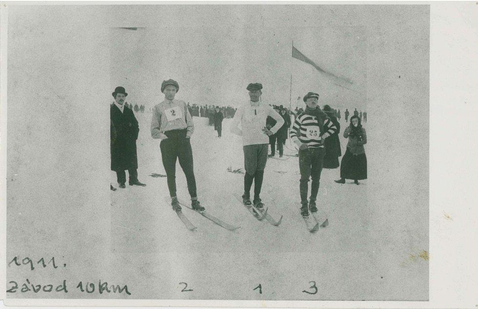 Závod na 10 kilometrů v roce 1911.