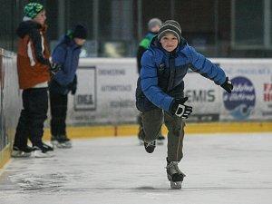 Školáci z Velké Losenice měli tělocvik na ledě
