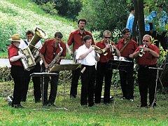 Za třicet let si v Dalečance zahrálo mnoho muzikantů a také si získala spoustu fanoušků.