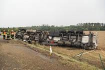 Dopravu na dálnici D1 během pondělního odpoledne zkomplikovala dopravní nehoda cisterny.