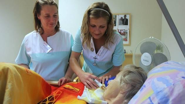 Hospicová péče je v drtivé většině veřejností vnímána jako ideální přístup k trpícím například nevyléčitelnými chorobami.