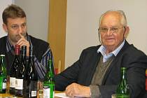 Josef Chromý (vpravo) představil i základní tři řady svého vína s názvy Pepik, Josef Chromy a Zdar.