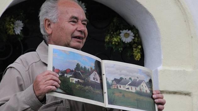 Dvě stě pět let existence kapličky Jana Nepomuckého obyvatelé novoměstského Zasrance důkladně oslavili.
