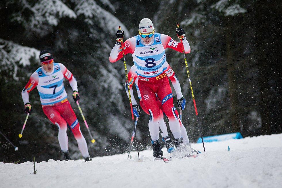 Ohlédnutí za Zlatou lyží 2020. Simen Hegstad Krüger z Norska ve stíhacím závodu mužů na 15 km klasicky v rámci Světového poháru v běhu na lyžích.