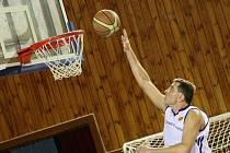 Nejstarším hráčem celé baráže byl žďárský pivot Rostislav Veselý. Ve svých 44 letech sváděl souboje s o generaci mladšími basketbalisty. Zatímco hráči Vyšehradu ještě nebyli na světě, Veselý už několik let brázdil palubovky první i druhé ligy.