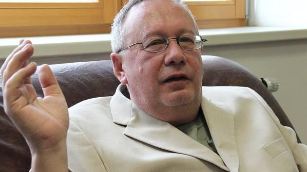 Okresní státní zástupce Arif Salichov odchází do důchodu. Šéfem jihlavských žalobců byl kromě krátké roční přestávky, kdy v roce 1995 odešel na post I. náměstka nejvyšší státní zástupkyně do Brna, dlouhých třiadvacet let.
