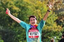 Pro Jitku Křížovou je běh vášní. Potřebuje ji však sdílet s ostatními. Závodů se zúčastňuje i s přáteli.