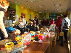 Pravidelná akce Rodinného centra Srdíčko přilákala davy lidí.