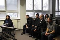"""Před pár lety se skupina rozkradačů kovů z podniku Tokoz ve Žďáře dělila o """"kořist"""". Žďárský okresní soud jim za to rozdělil tresty."""