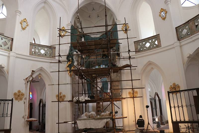 Kostel svatého Jana nepomuckého na zelené hoře prochází rozsáhlou rekonstrukcí. Jeho znovuotevření je naplánované na sobotu 23. října.