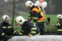 Ropné látky unikly v úterý ráno do řeky Oslavy nedaleko Mostišť na Velkomeziříčsku.