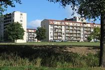 Ve spodní části sídliště 2 zbývá bystřické radnici zrevitalizovat ještě šest nájemních panelových bytových domů tři nízké a tři věžáky.