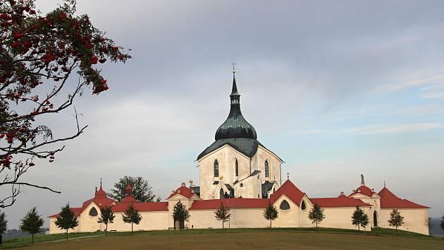 Soutěžící se s Vodomilem podívají například do Žďáru na Zelenou horu.