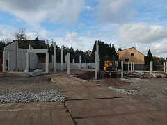 Moderní areál v centru obce má být dokončen v červnu příštího roku.