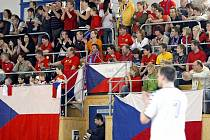 Novoveselské publikum umí pořádně vyhecovat. Ve značnou podporu v nadcházejících bojích o postup na MS věří i kouč české juniorské reprezentace Vojtěch Srba.