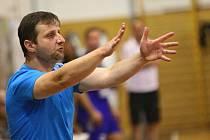 Kouč Marek Michalisko pumpoval do svých hráčů během utkání s Dvorem Králové energii všemi dostupnými prostředky. Nové Veselí okupuje po 7. kole postupovou příčku.