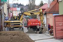 Do Smetanovy ulice se vrátili stavební dělníci.