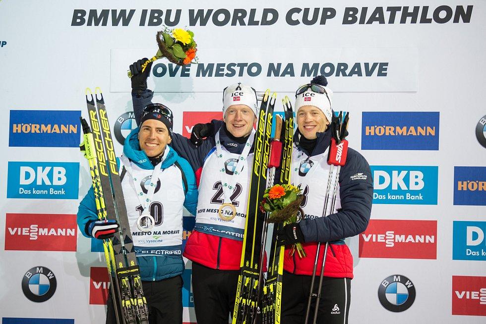 Závod SP v biatlonu (sprint 10 km muži) v Novém Městě na Moravě. Na snímku: Quentin Fillon Maillet, Johannes Thingnes Boe, Tarjei Boe.