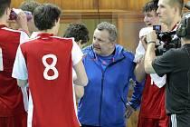 Čeští volejbaloví junioři neuspěli v kvalifikaci o mistrovství Evropy. Ve své kvalifikační skupině, která se hrála ve Žďáře nad Sázavou, skončili svěřenci trenéra Petra Judy čtvrtí.
