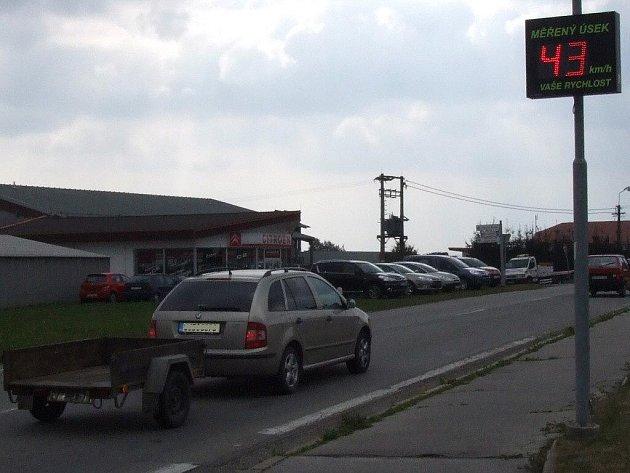 Jednou ze zvyšujícího se počtu obcí ve žďárském okresu, jež se pokoušejí regulovat nepřiměřenou rychlost na svém území, je i městys  Nové Veselí.