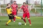 Na fotbalisty Bystřice nad Pernštejnem (v červeném) čeká o posledním lednovém víkendu náročné fyzické soustředění.