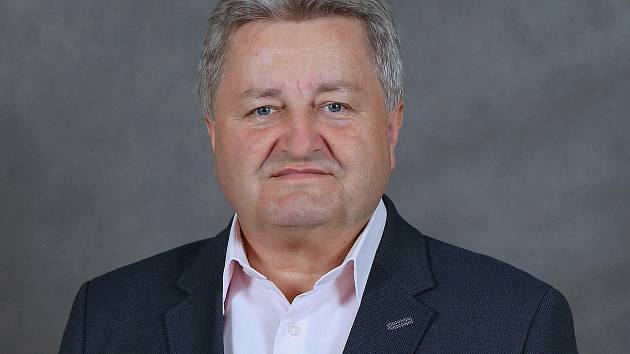 Na post starosty města je nyní navržen současný starosta Josef Komínek, lídr ČSSD, jež ve volbách ve Velkém Meziříčí skončila druhá. Strana vytvořila koalici s KDU-ČSL, ANO a Meziříčské fórum.