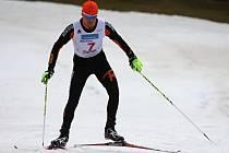 Jiří Žák během českého šampionátu v zimním triatlonu postupně osedlal horské kolo, provětral běžky a na závěr okusil výběh na Praděd.