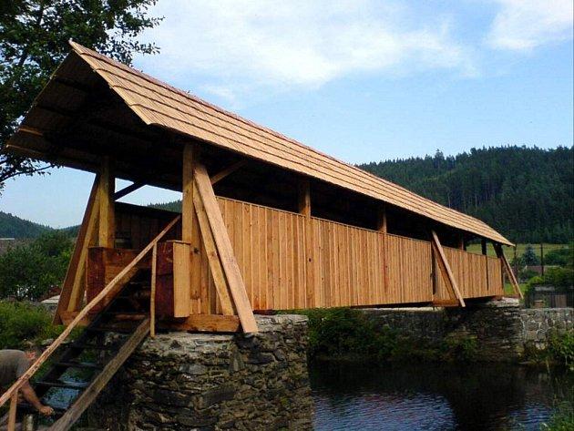 Most byl zrekonstruován v roce 2006.