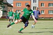 Magnetem 5. kola byl střet dvou podzimních lídrů. Kozel Team (v zeleném) porazil FC Benjamin (v modrém) 4:3.