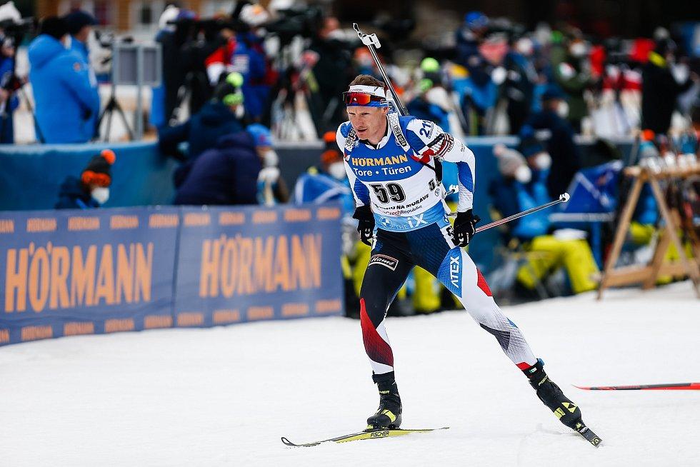 Ondřej Moravec v závodu Světového poháru v biatlonu - stíhací závod mužů na 12,5 km.