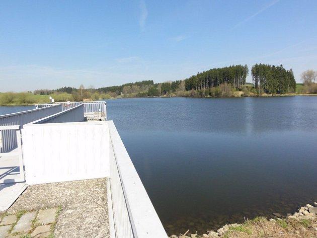 Povodí Moravy otevře 1. května u vodní nádrže v Ostrově nad Oslavou nový rybářský revír.