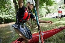 Adrenalinový souboj pod Vírskou přehradou okusilo několik desítek startujících.