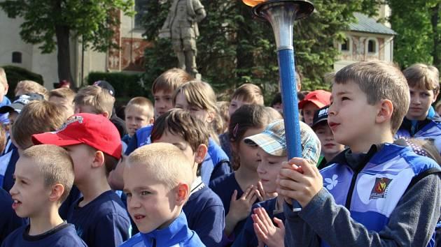 V Novém Městě na Moravě se v pátek zastavila štafeta mezinárodního Běhu míru.