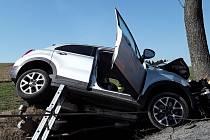 Dopravní nehoda na silnici mezi Novým Městem na Moravě a Rokytnem.