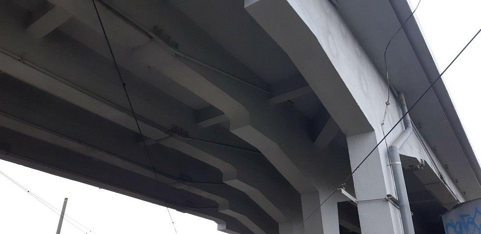V nejhorším stavu jsou takzvané kotvy, které drží mostní podpěry.