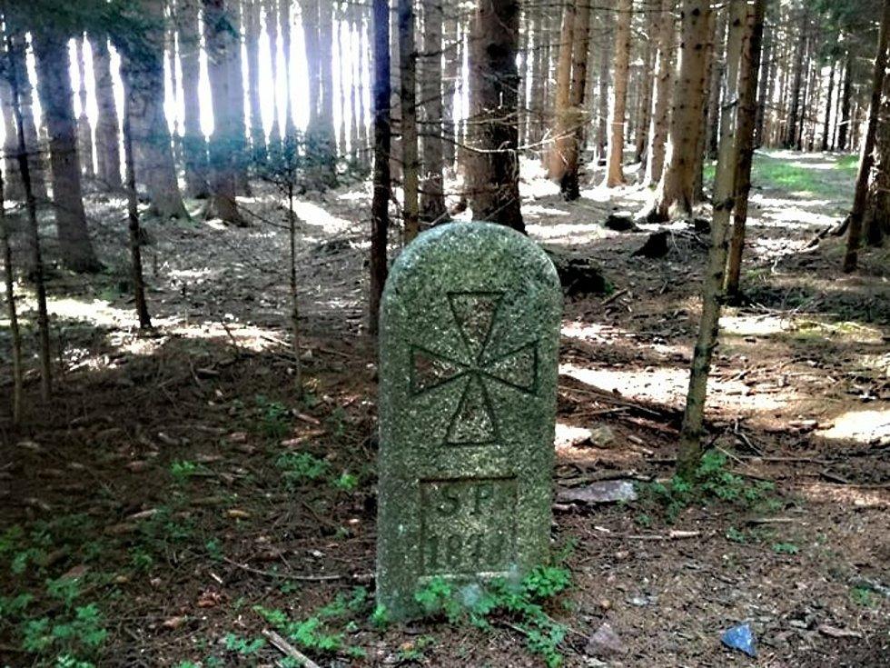 Hachlův kámen střeží místo tragické události.