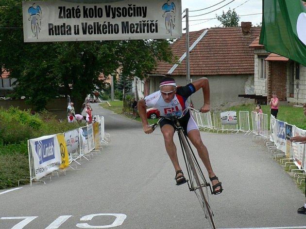 Do Rudy v sobotu dorazí už potřetí také mistr světa v jízdě na vysokém kole Josef Zimovčák.