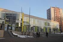 V novoměstském centru kultury se konají divadelní i filmová představení, besedy, plesy a další společenské akce. Sídlí v něm také knihovna a dům dětí a mládeže.