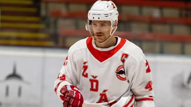 Kapitán Plamenů Martin Pleva svůj tým v této sezoně přes bránu postupu do play-off neprotáhl.